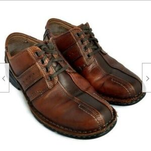 Clarks brown leather lace up casual shoes
